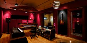 Cтудиизвукозаписи и репетиционные комнаты